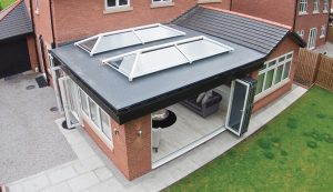 Extension with dual white roof lanterns